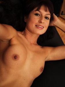 selfie d'une mature seins nus